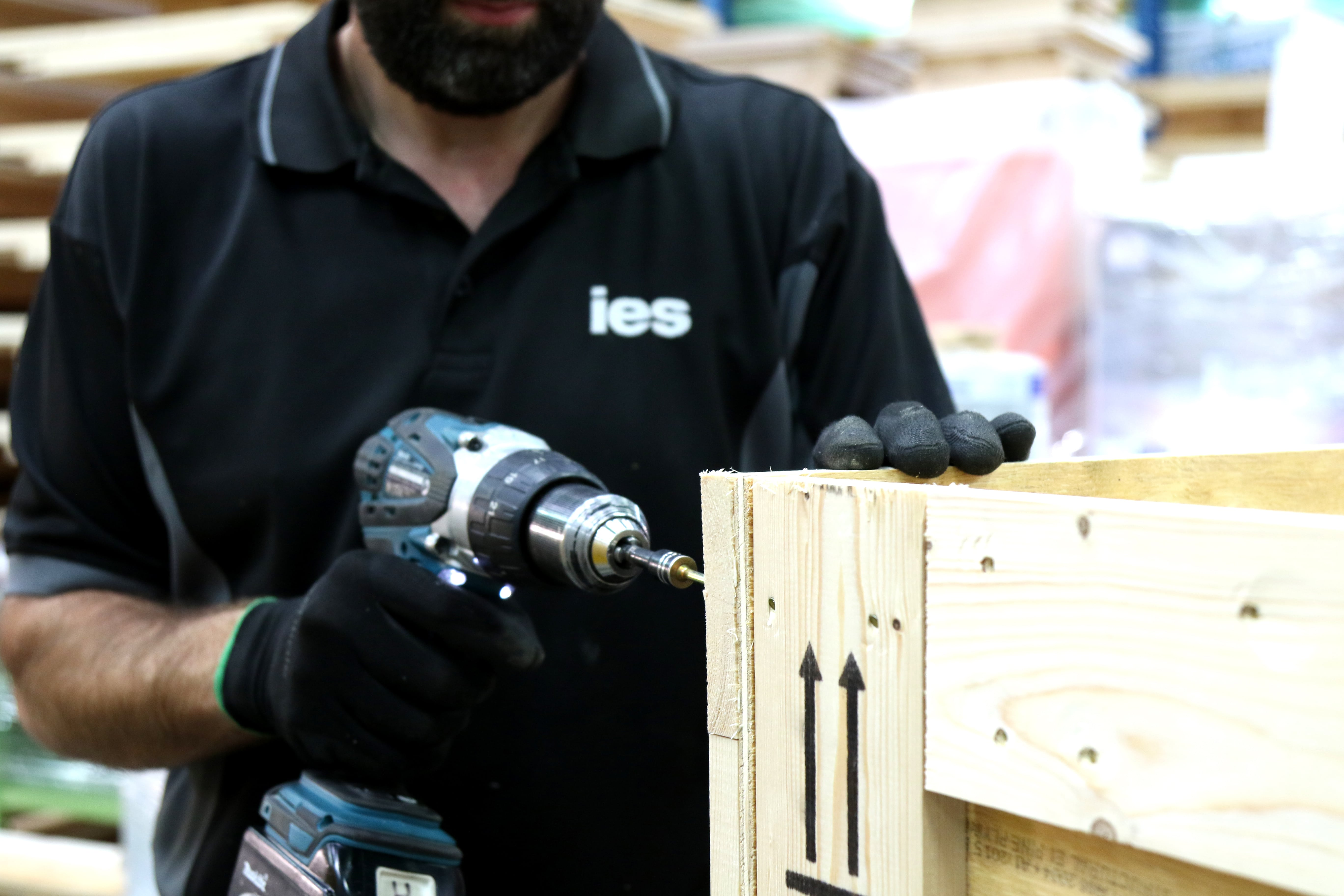 IES export packing service